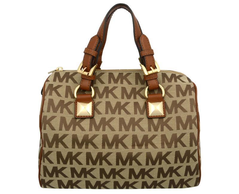 luxusní kabelka je skvělý dárek pro manželku